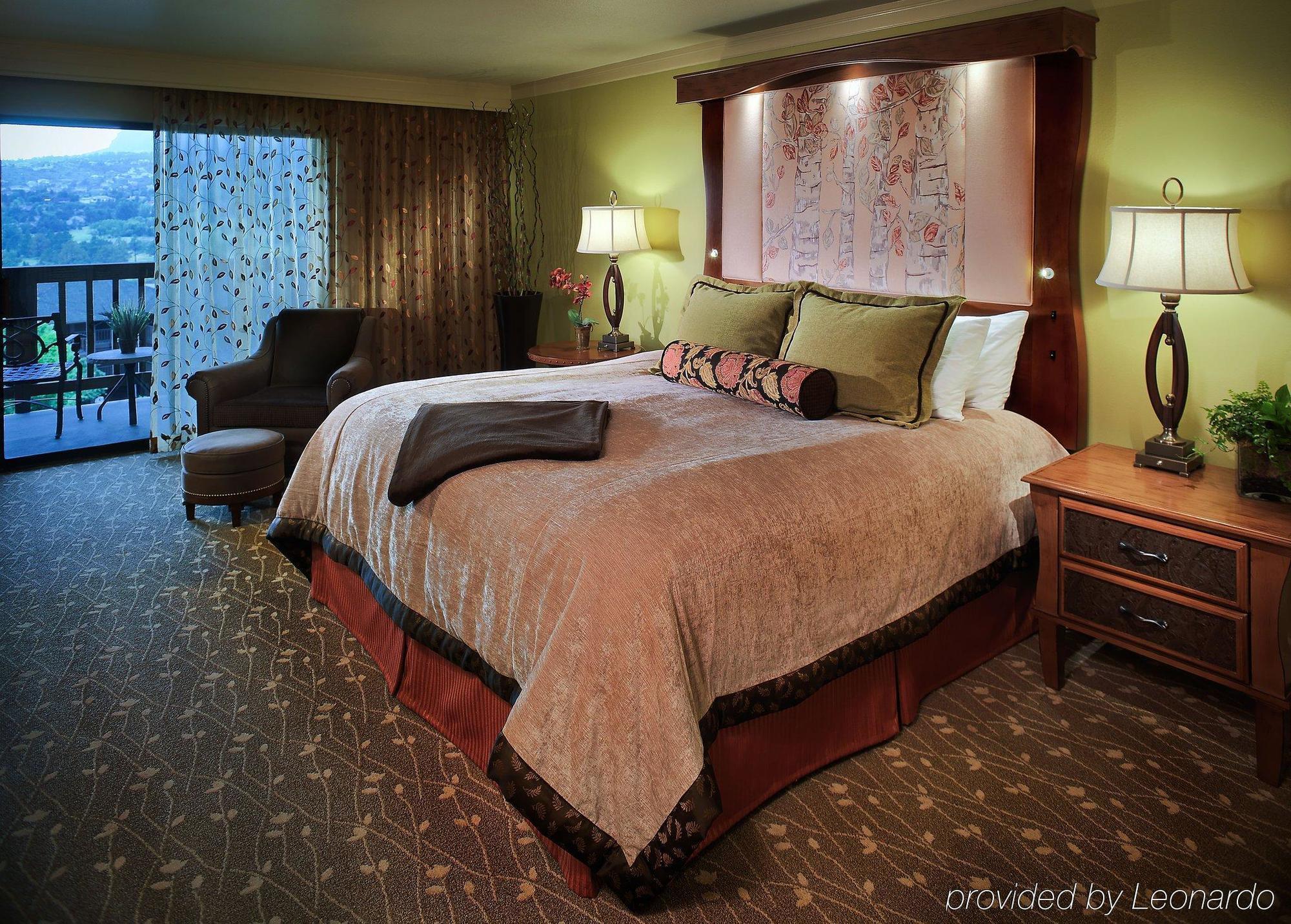 cheyenne mountain resort, colorado springs ****